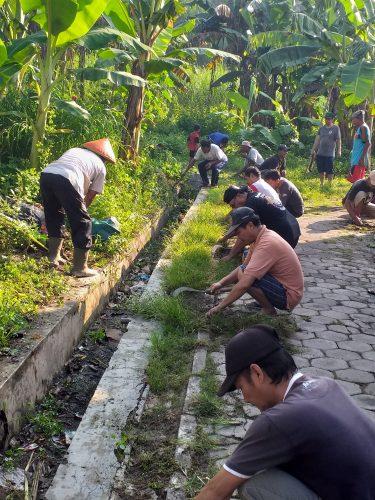 Kerja Bakti Bersama Warga Kelurahan Patihan dalam rangka Hari Sampah